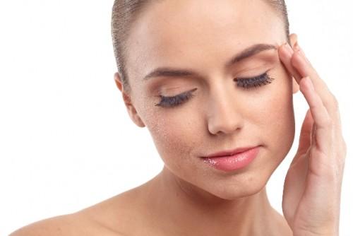 オールインワン化粧品は肌摩擦が少ない