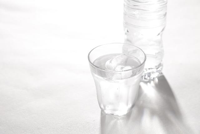 生理中は水分を摂る
