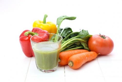 栄養価が高くカロリーの低い野菜ジュースを飲もう