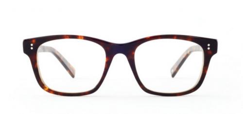 「面長」の方に似合うクラシカルなウェリントン型の眼鏡