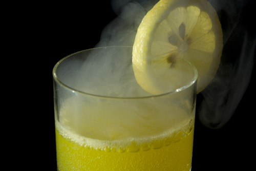 実践!朝起きて飲むレモンウォーター