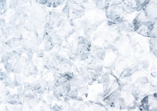 ニキビを氷で冷やす