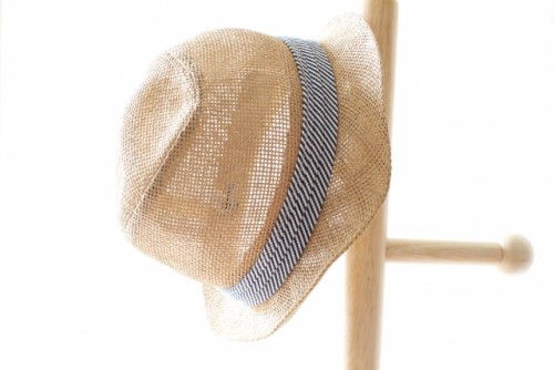 夏と言えば麦わら帽子、ストローハット