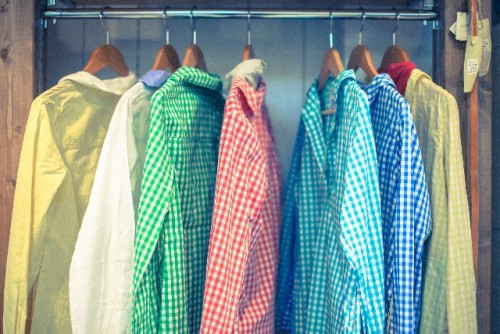 手持ちの服と合わせる事が出来るものを買う