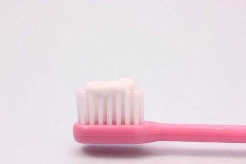 歯磨き粉のつけすぎはダメ