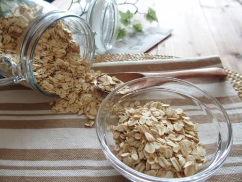 食物繊維や鉄分、カルシウムをバランスよく含むオートミール