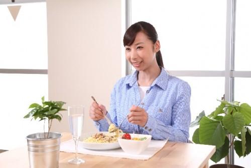 朝から昼間は普通に食べて夜だけ我慢!