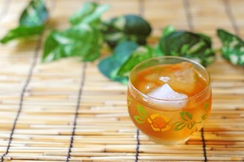 昔の日本人は身体を冷やすために麦茶を飲んでいた