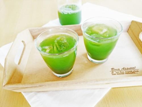 青汁はむくみを防ぎ脂肪を燃焼させる