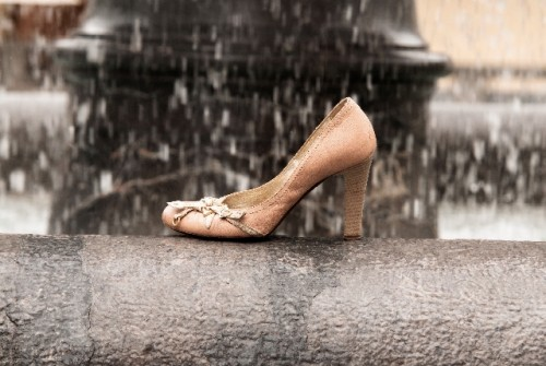最も脚を美しく見せるヒールの高さは7cm