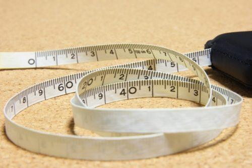 背骨の歪みや関節の変化が身長を縮ませる