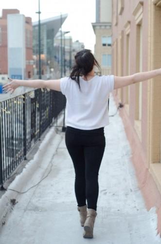 歩く時の姿勢を意識して骨格矯正