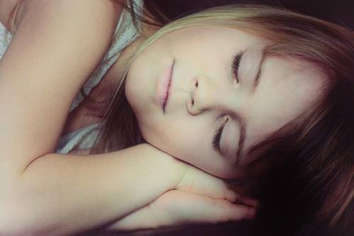 寝過ぎを繰り返すと早期死亡のリスクが高まる?