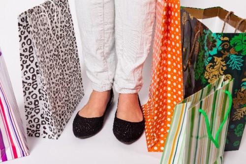 塩系ファッションの小物選びは、統一感が大事