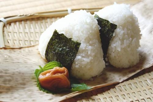 日本では古くからメジャーだった三角食べ