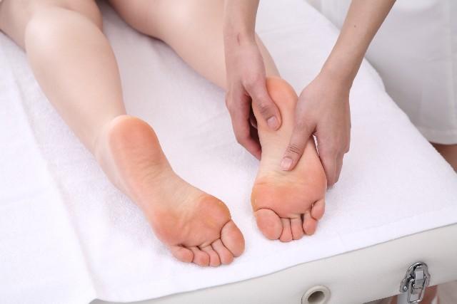 足に出来た汗疱のセルフケア方法
