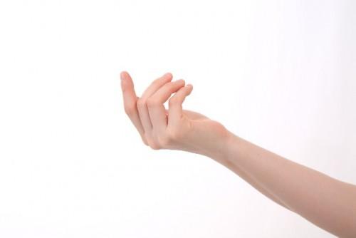 指のクラッキングは百害あって一利なし!