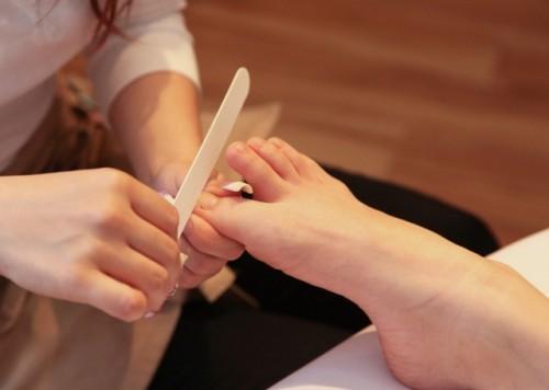 足の爪の処理方法