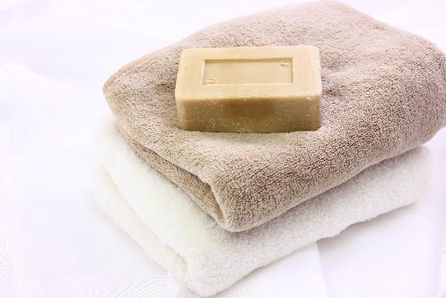 基本中の基本、蒸しタオル+石鹸で洗顔