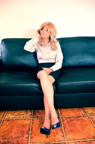 タイトスカートでデキる女の雰囲気をまとう