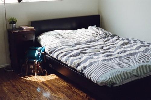 いつも同じ枕カバーを使っている