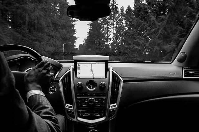 長時間のドライブの車内でもエコノミー症候群の危険が!