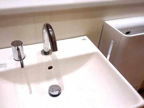 お手洗いのエアタオルは手の大敵かも!
