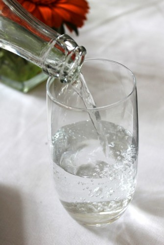 就寝前は美容効果の高い水分を補給