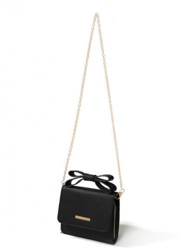 シンプルファッション+ウォレットバッグでぷちリッチ