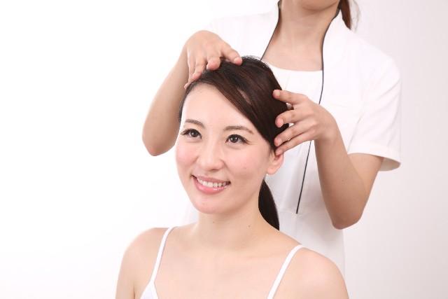 お風呂あがりに5分で完了!頭痛や抜け毛に効くセフルヘッドマッサージ