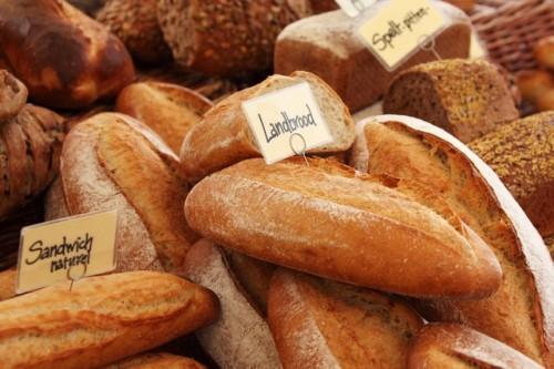 固めのパンを選んで咀嚼回数を増やそう