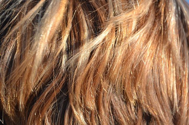 セルフヘアカラーでムラなく髪を染める方法