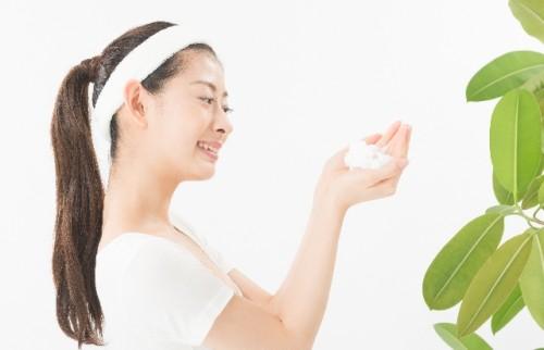 顎の下のブツブツ毛穴は洗顔が不十分なときにできる