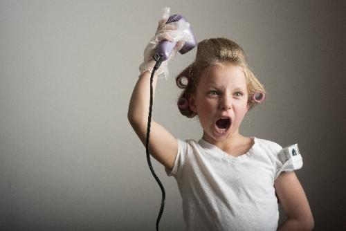 過剰なヘアケアは頭皮を乾燥させて皮脂を分泌させる