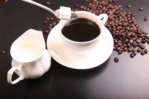 カフェインの大量摂取は危険!コーヒは1日5杯まで