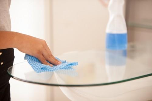 運動嫌いの女性は「雑巾がけ」で二の腕を細くしよう