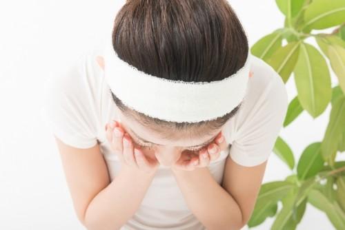 肌をスッキリ美肌に変える塩洗顔の正しいやり方