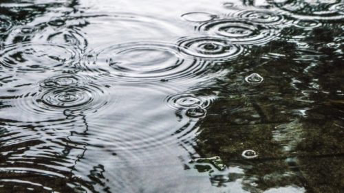 気候は気にしない!雨の日は室内でエアジョギング