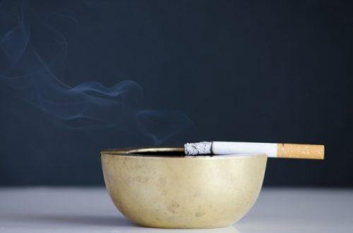 喫煙者は注意!タバコもくすみを引き起こす