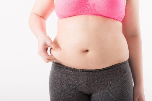 お腹の脂肪をつまんで下腹痩せを叶える「つまみダイット」
