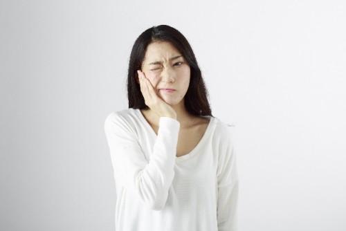 虫歯を放置するといずれ大きな顔の歪みを招く
