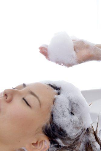 頭をゴシゴシと洗うと頭皮が痒くなる?