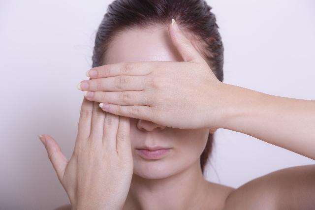 鼻の黒ずみの原因は皮脂と老化が主な原因