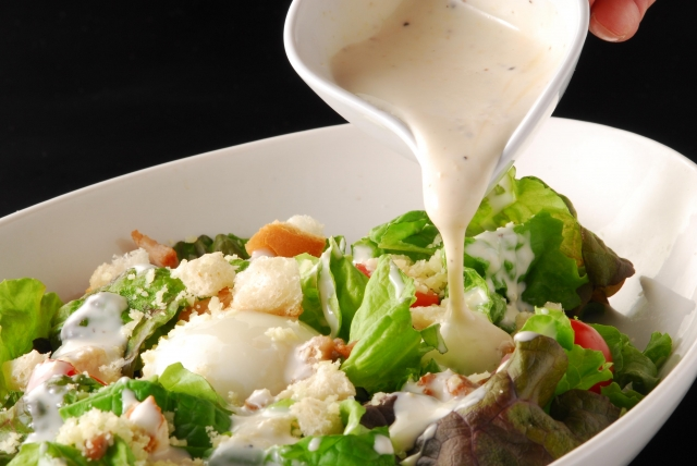 サラダダイエットの落とし罠はずばり「ドレッシング」