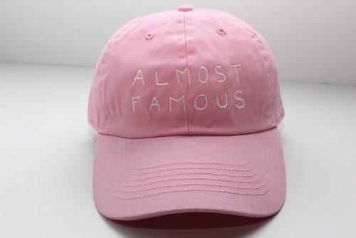キャップを買い足すならトレンドカラーのピンク